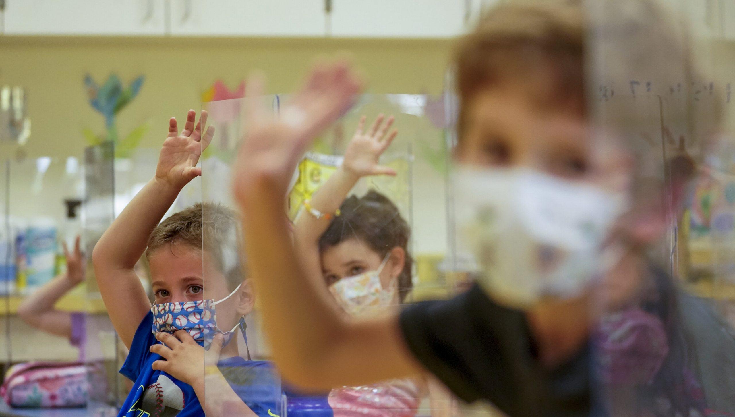 """Copiii s-ar putea confrunta cu o """"catastrofă generațională"""" din cauza pandemiei. """"Au fost neglijați de guverne"""""""