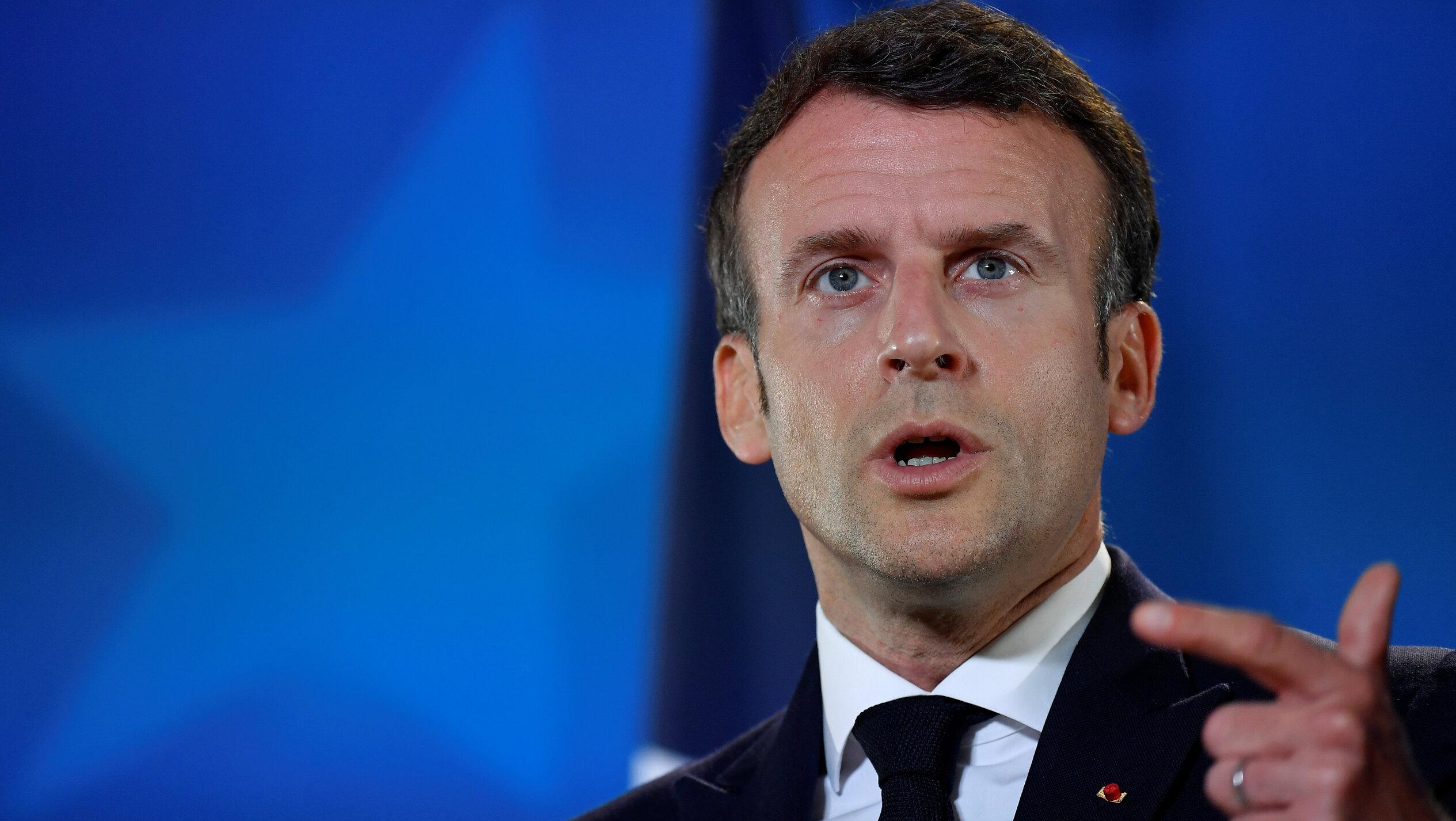 VIDEO| Emmanuel Macron a fost luat la palme de un francez, în timpul unei vizite în sudul Franței