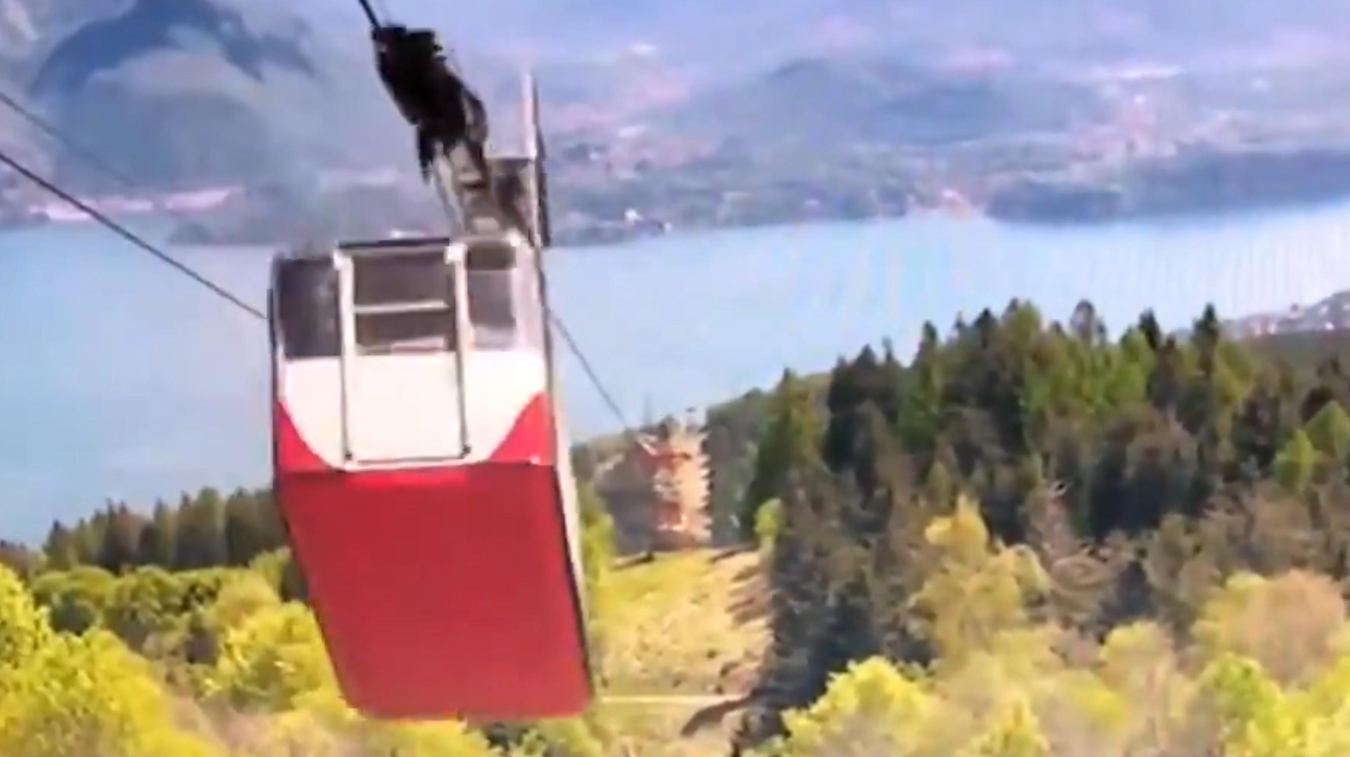 VIDEO  Au fost publicate imaginile accidentului de telecabină din Italia