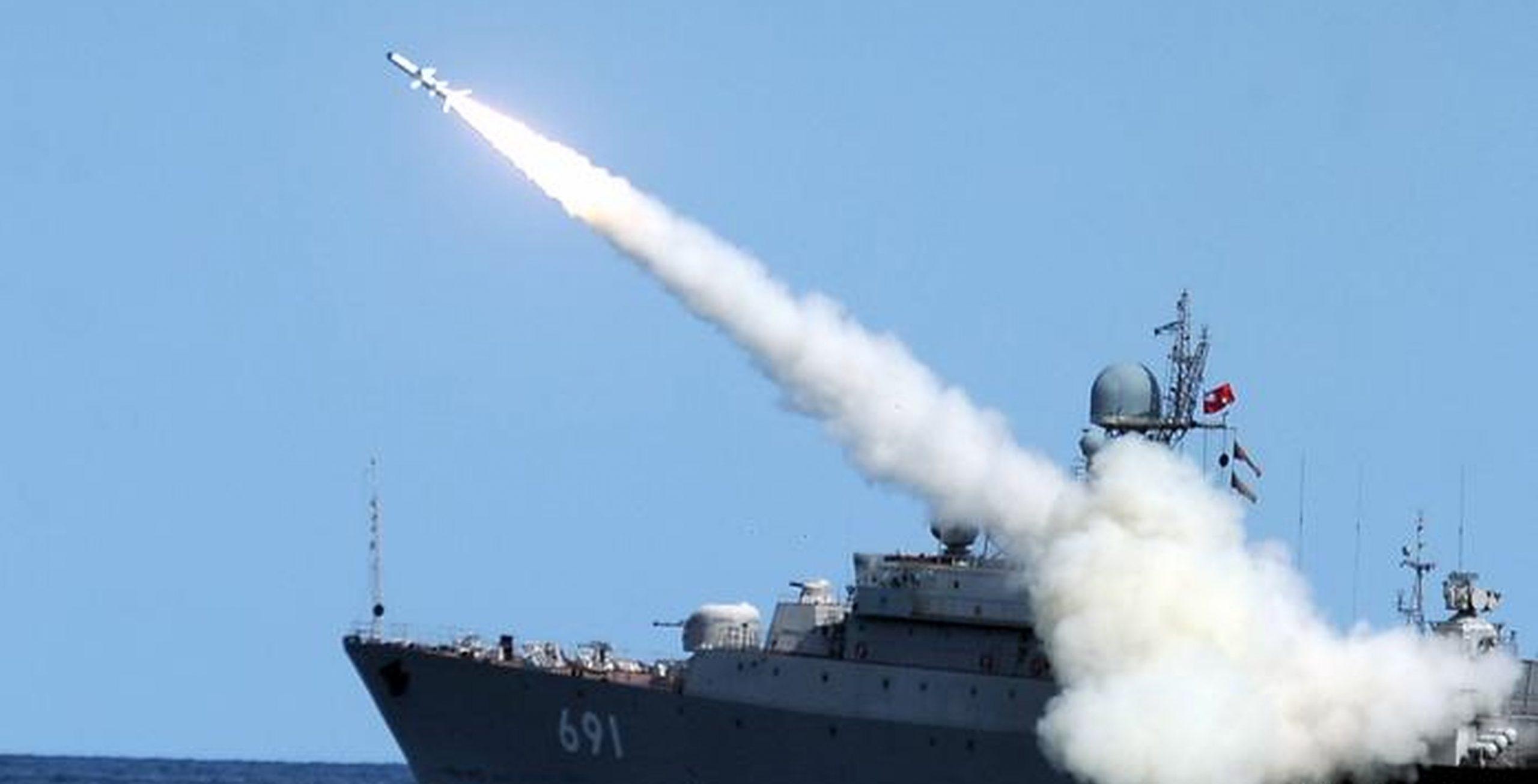 VIDEO| Rusia testează cu succes racheta hipersonică Zircon: De 9 ori mai rapidă decât viteza sunetului, atinge orice țintă din lume și trece de scuturile americane