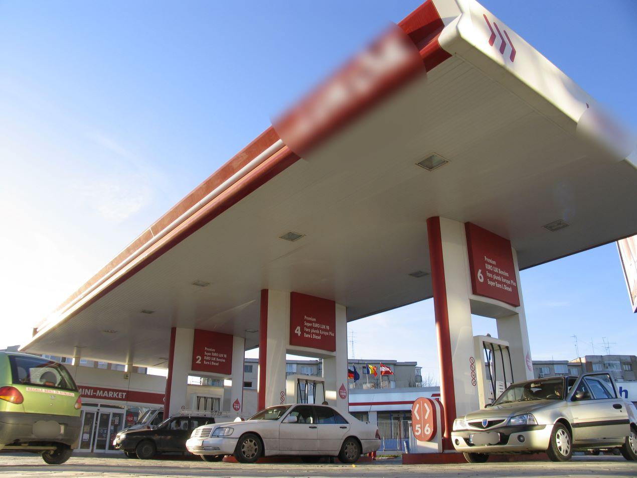 Țările producătoare de petrol au convenit să controleze prețul