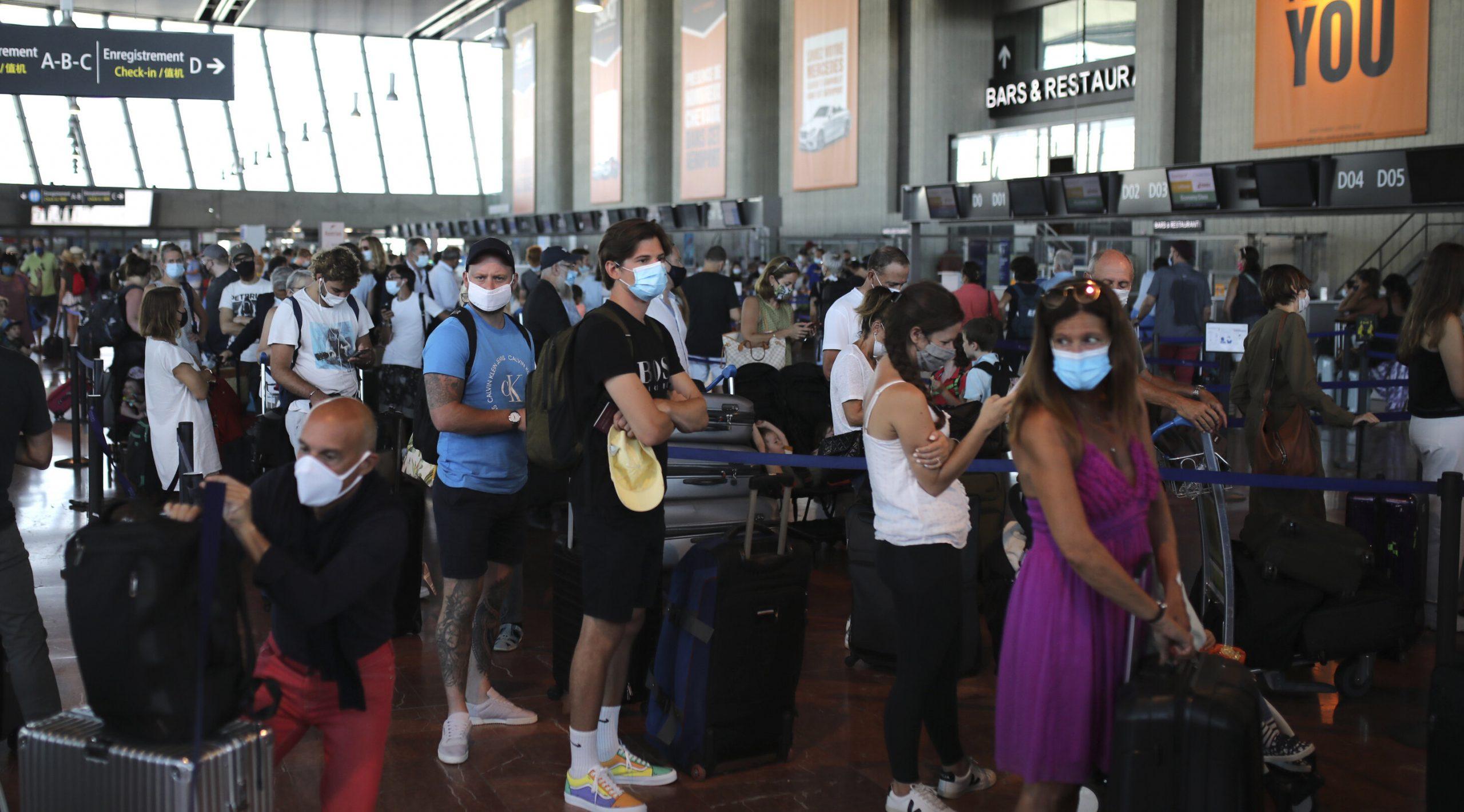 Companiile aeriene britanice anunță cel mai aglomerat weekend de după izbucnirea pandemiei