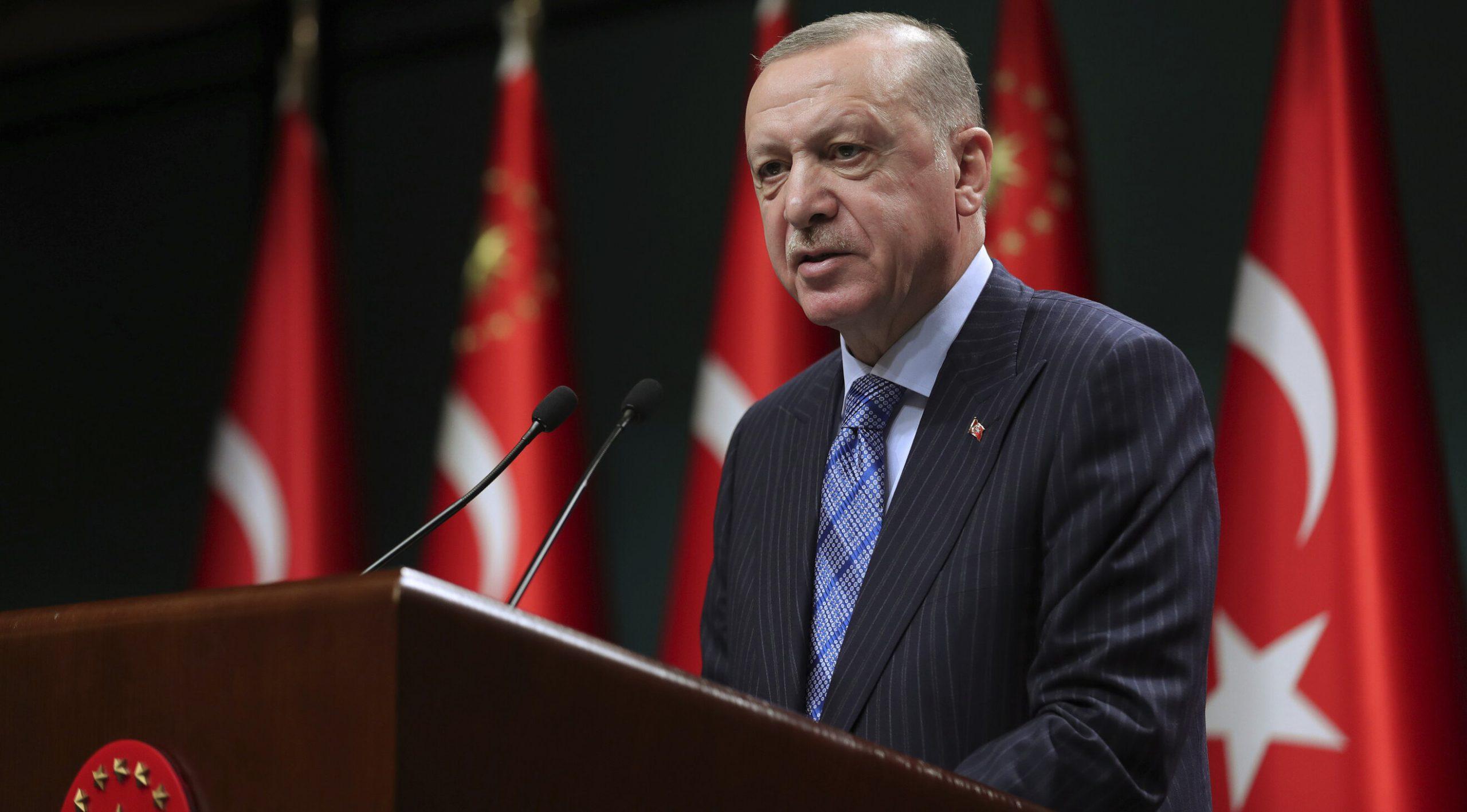 Turcia  45.000 de persoane sunt anchetate pentru insulte aduse lui Erdoğan și membrilor guvernului