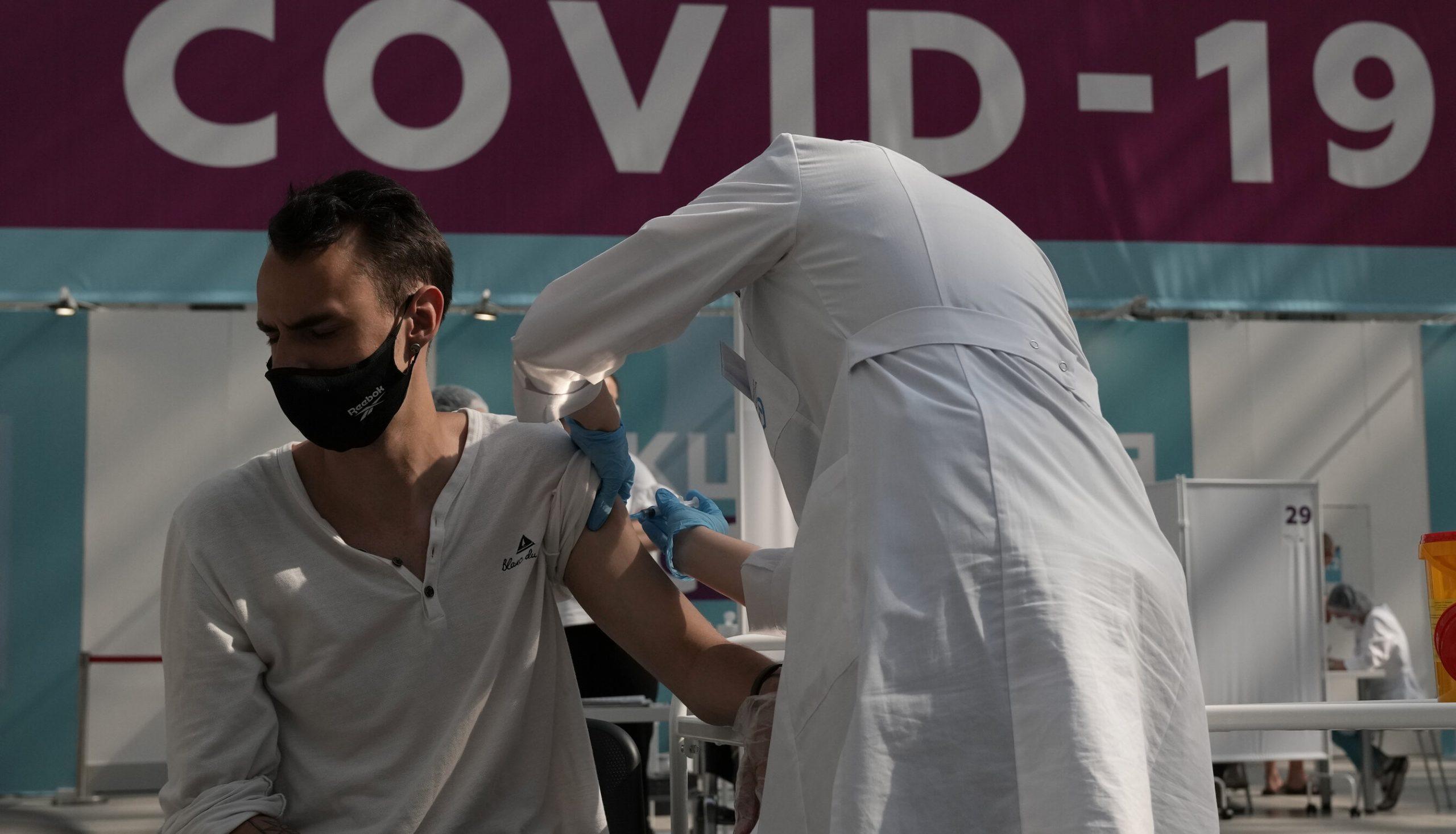 Studiu independent| 8% dintre persoanele vaccinate anti-Covid dezvoltă efecte adverse, jumătate se simt mai bine decât înainte de inoculare