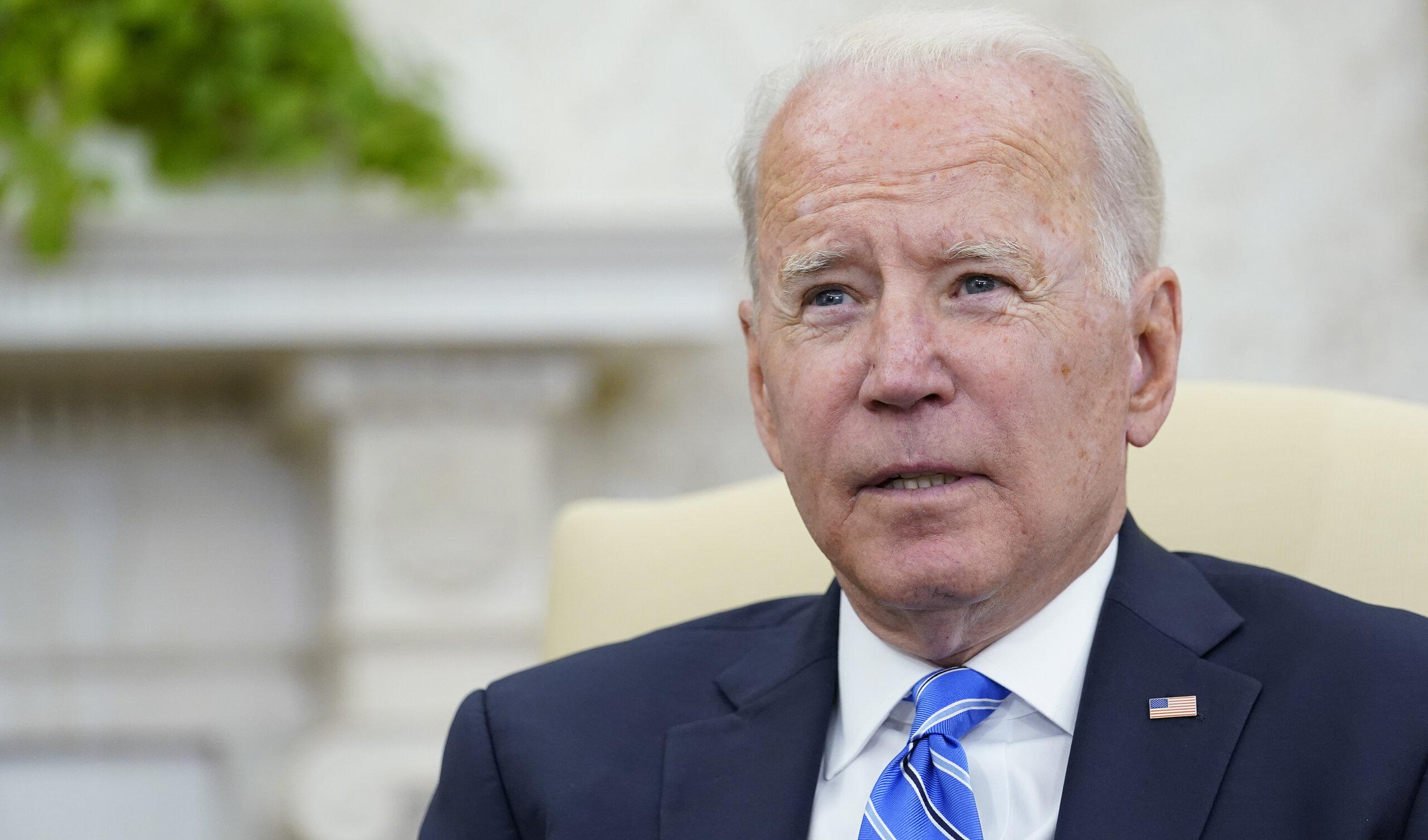 Joe Biden le cere agenților Secret Service să nu-l însoțească la micul dejun, pentru că nu este îmbrăcat