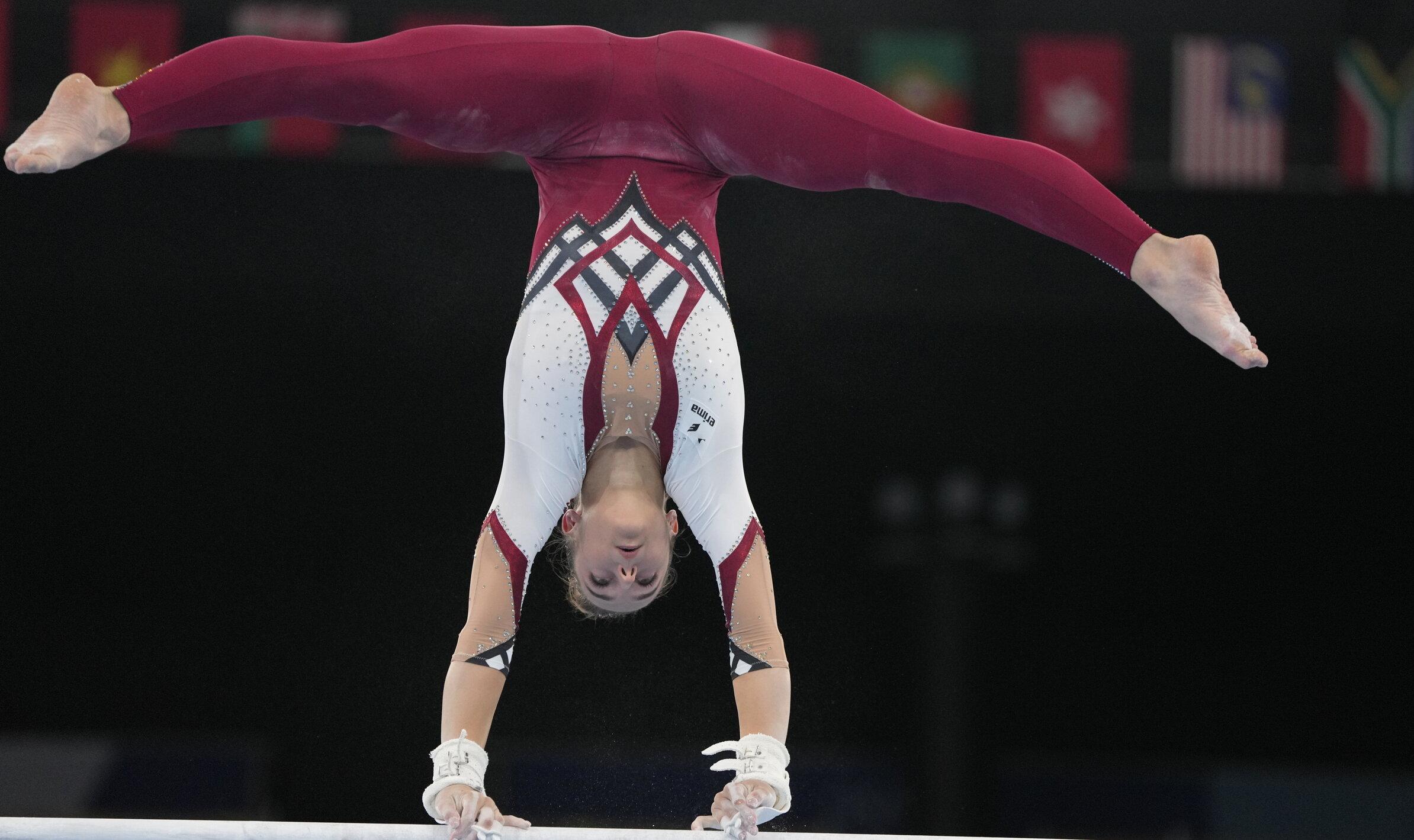 """Gimnastele germane protestează împotriva """"sexualizării"""" sportului și poartă costume care acoperă tot corpul"""
