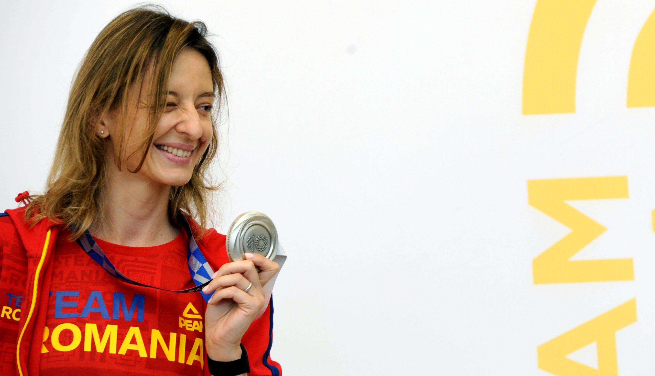 """Ana Maria Popescu regretă că l-a lăsat cu mâna întinsă pe ministrul Sportului. """"Le mulțumesc celor care au înțeles mesajul meu"""""""