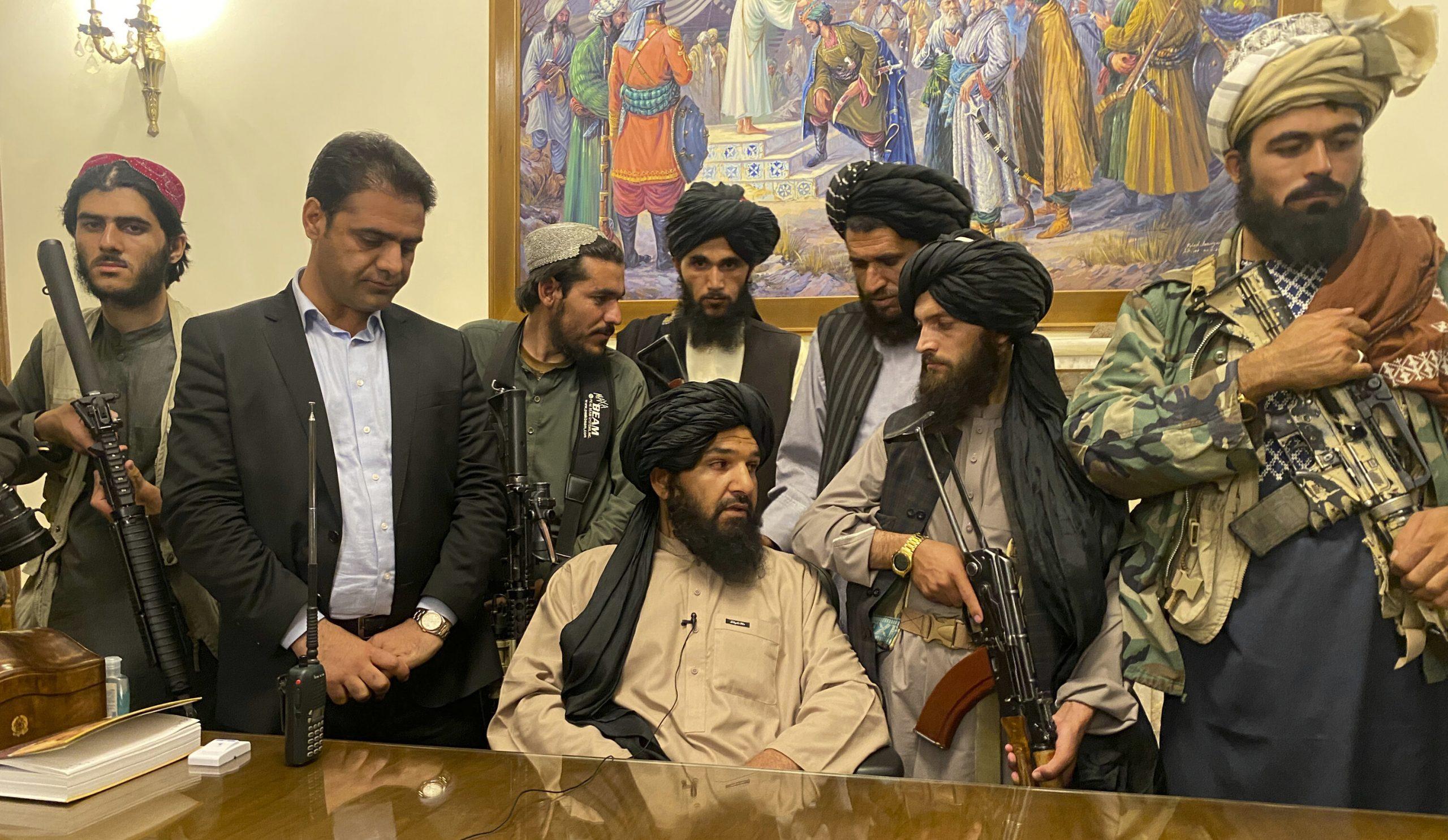China, Rusia, Pakistan și Turcia nu își retrag oficialii din Afganistan și par să recunoască stăpânirea talibanilor