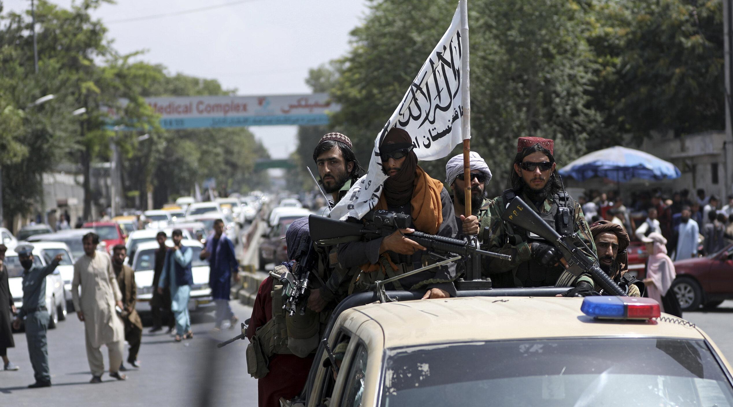 """Talibanii au dat foc unei femei """"pentru că a gătit prost"""", susține o fostă judecătoare afgană"""