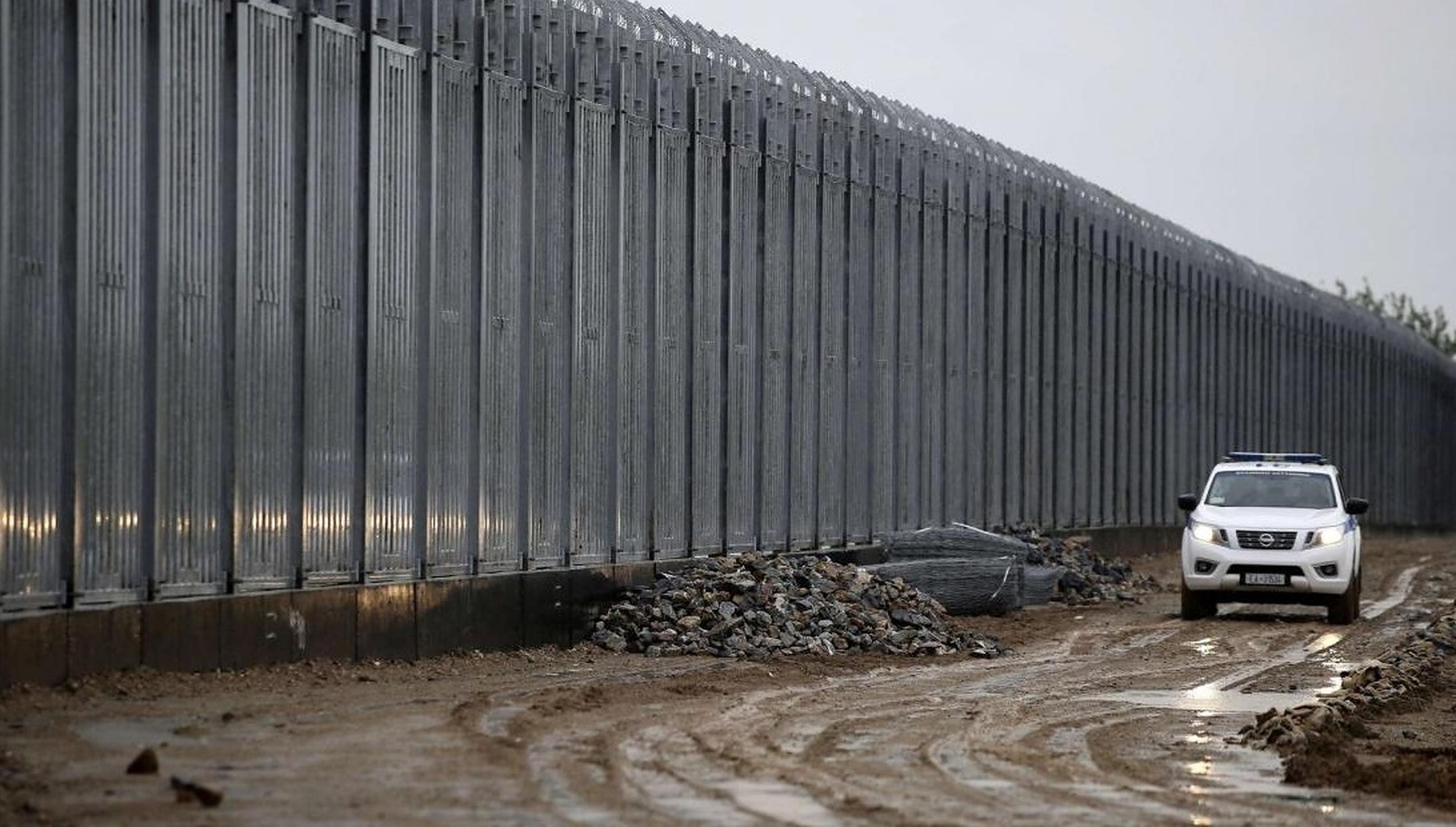 Grecia și Turcia construiesc ziduri pentru a împiedica sosirea refugiaților afgani în Europa
