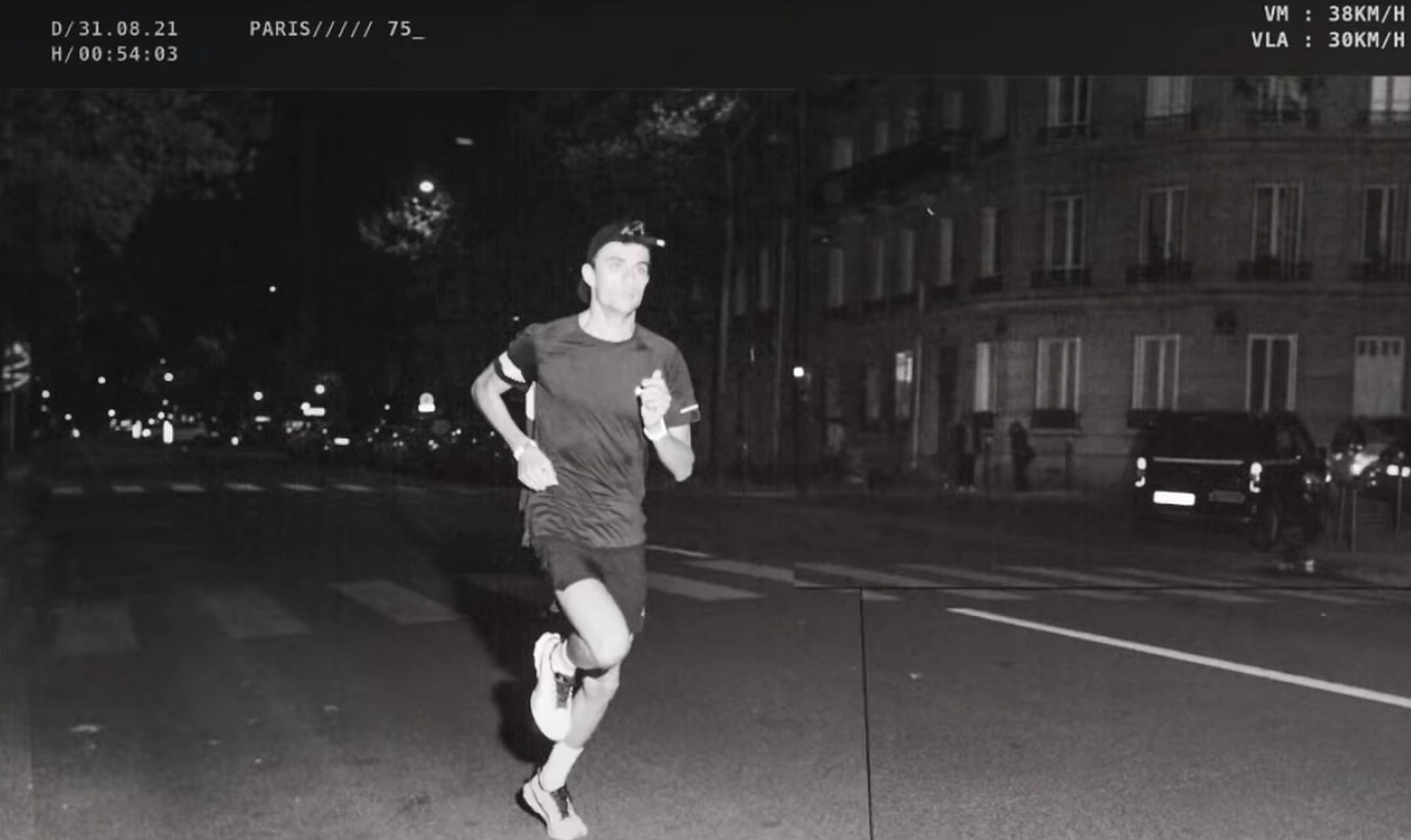 Paris| Alergătorii francezi declanșează radarele poliției, de când viteza legală pentru mașini a scăzut la 30 km/h