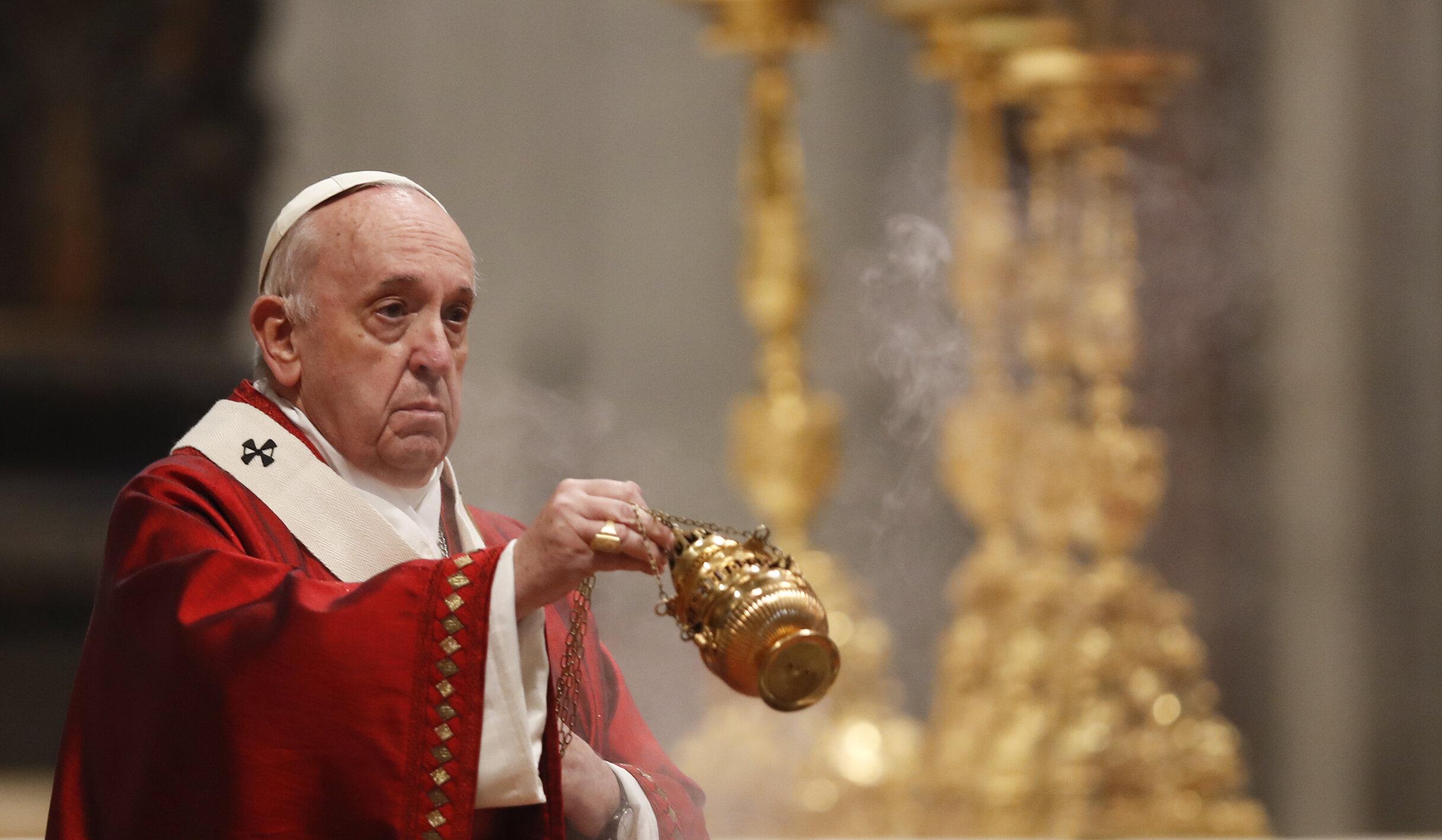 Papa Francisc trimite 15.000 de înghețate deținuților din Roma