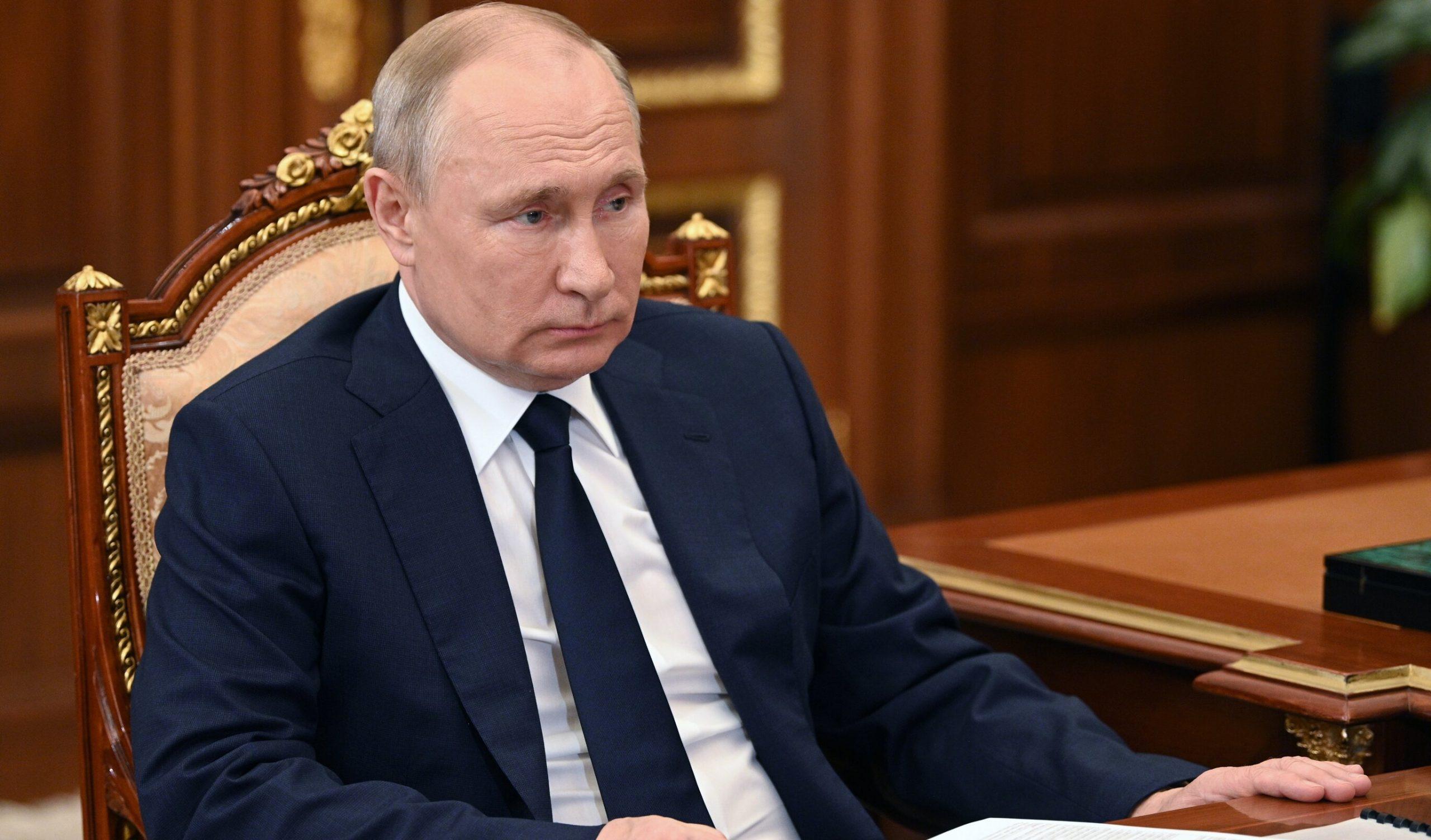 Vladimir Putin se autoizolează. Mai multe persoane din anturajul său au Covid-19