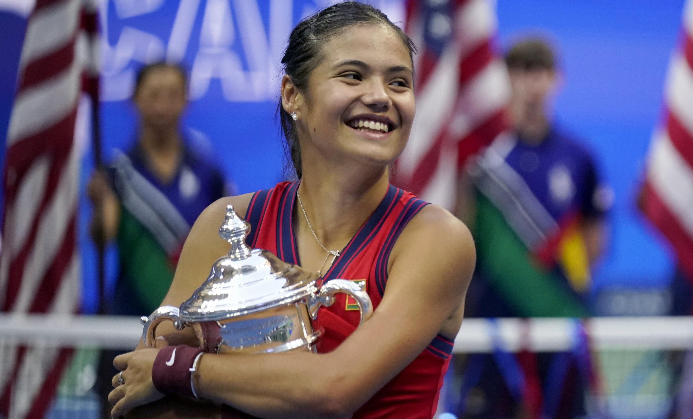 """Regina Angliei laudă performanța """"extraordinară"""" a Emmei Răducanu, după ce a câștigat US Open"""
