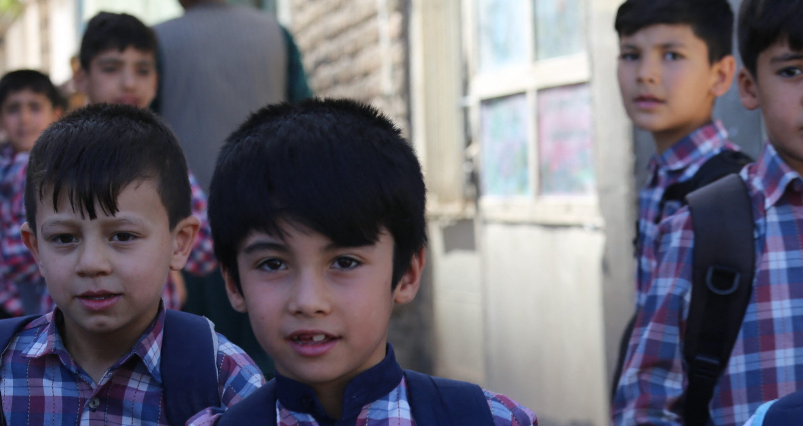 Școlile și liceele se redeschid doar pentru băieți, în Afganistan