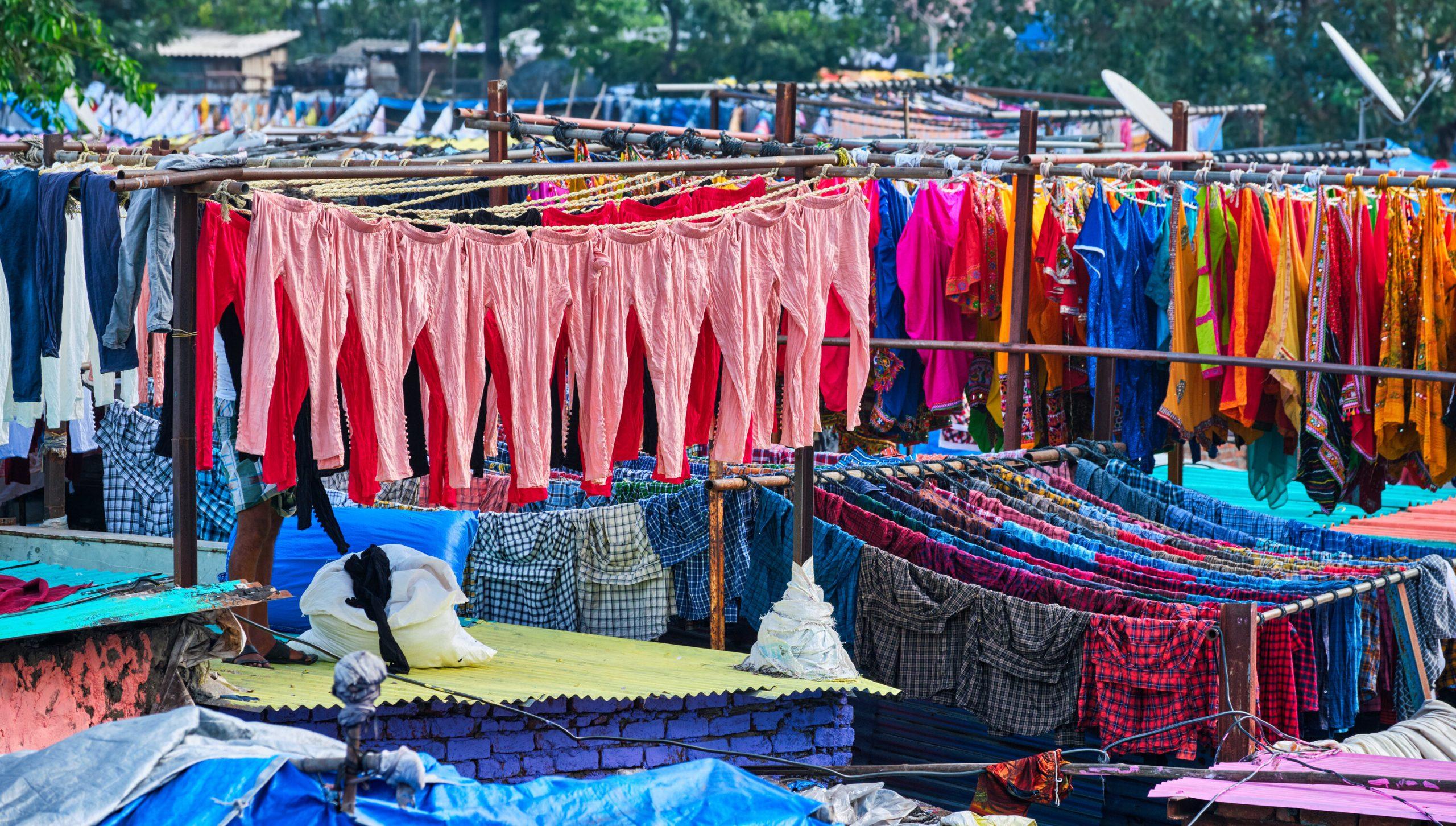 Un indian acuzat de tentativă de viol este condamnat să spele hainele a 2.000 de femei timp de 6 luni