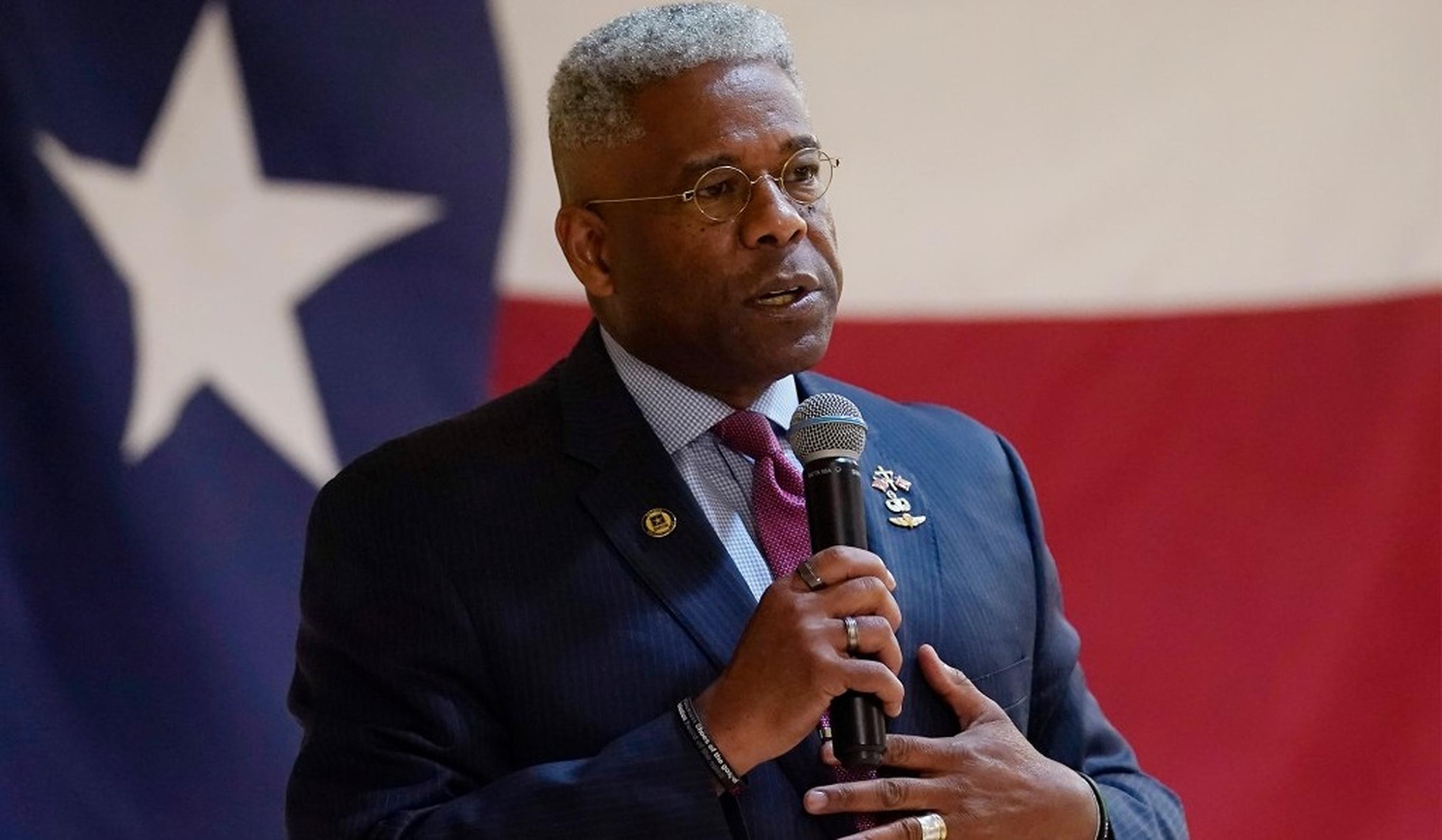 Allen West, posibil viitor guvernator al Texasului, se laudă pe internet că se tratează de Covid cu ivermectină și hidroxiclorochină