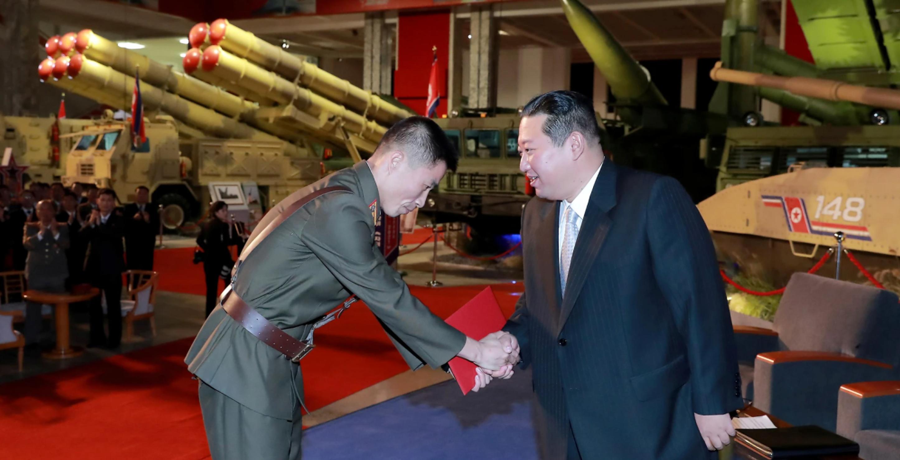 """Kim Jong-un jură să construiască o """"armată invincibilă"""", pe care SUA să nu îndrăznească s-o pună la încercare"""