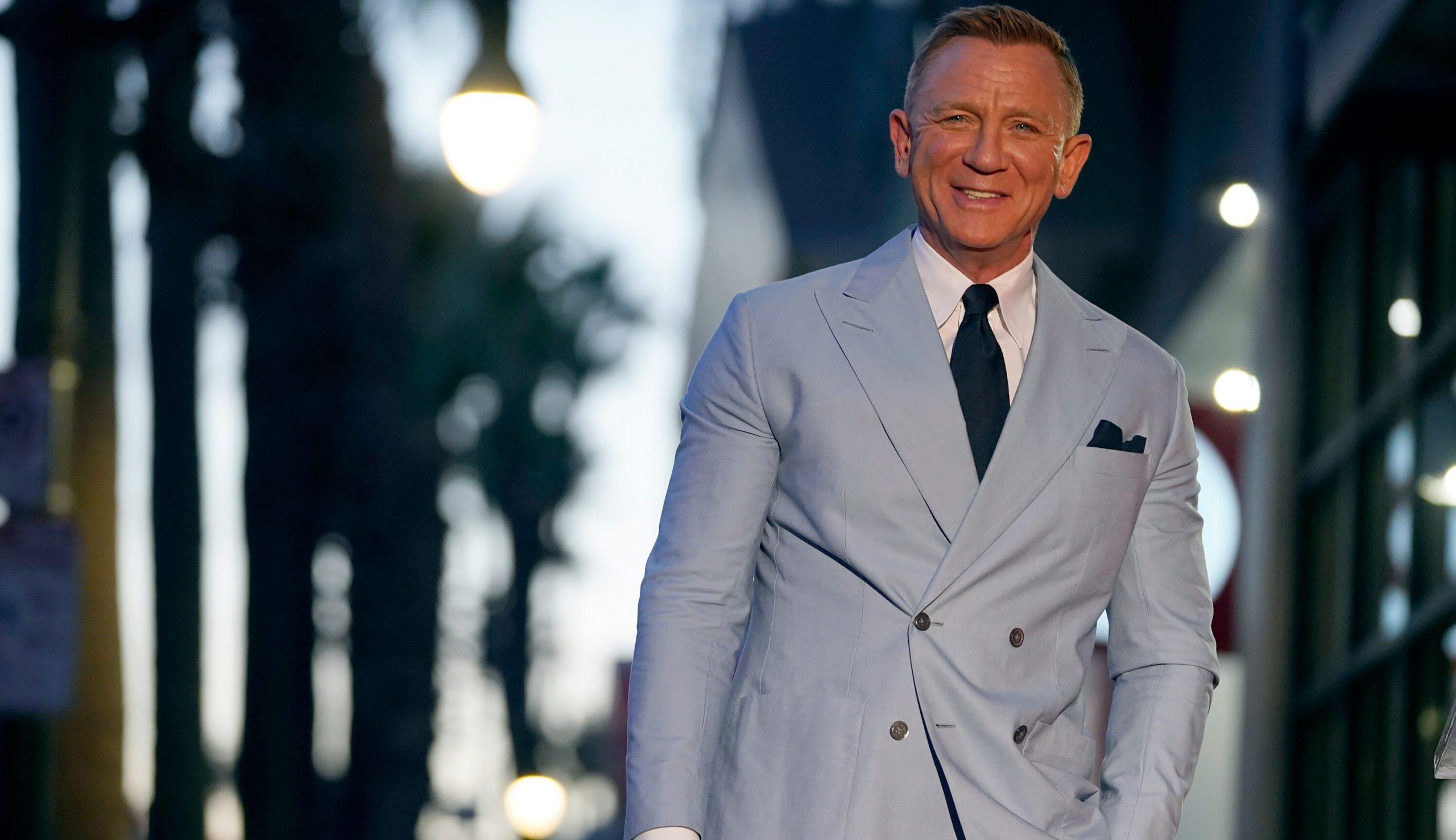 """Daniel Craig preferă să meargă în baruri gay, pentru a evita """"bărbații agresivi din barurile hetero"""""""
