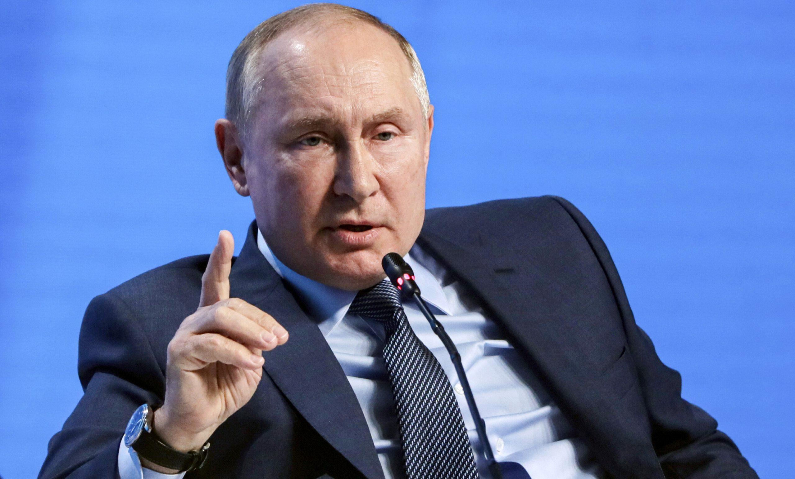 """Vladimir Putin promite mai mult gaz Europei, dacă va cere. """"Este o prostie totală"""" să spui că folosim energia ca armă politică"""