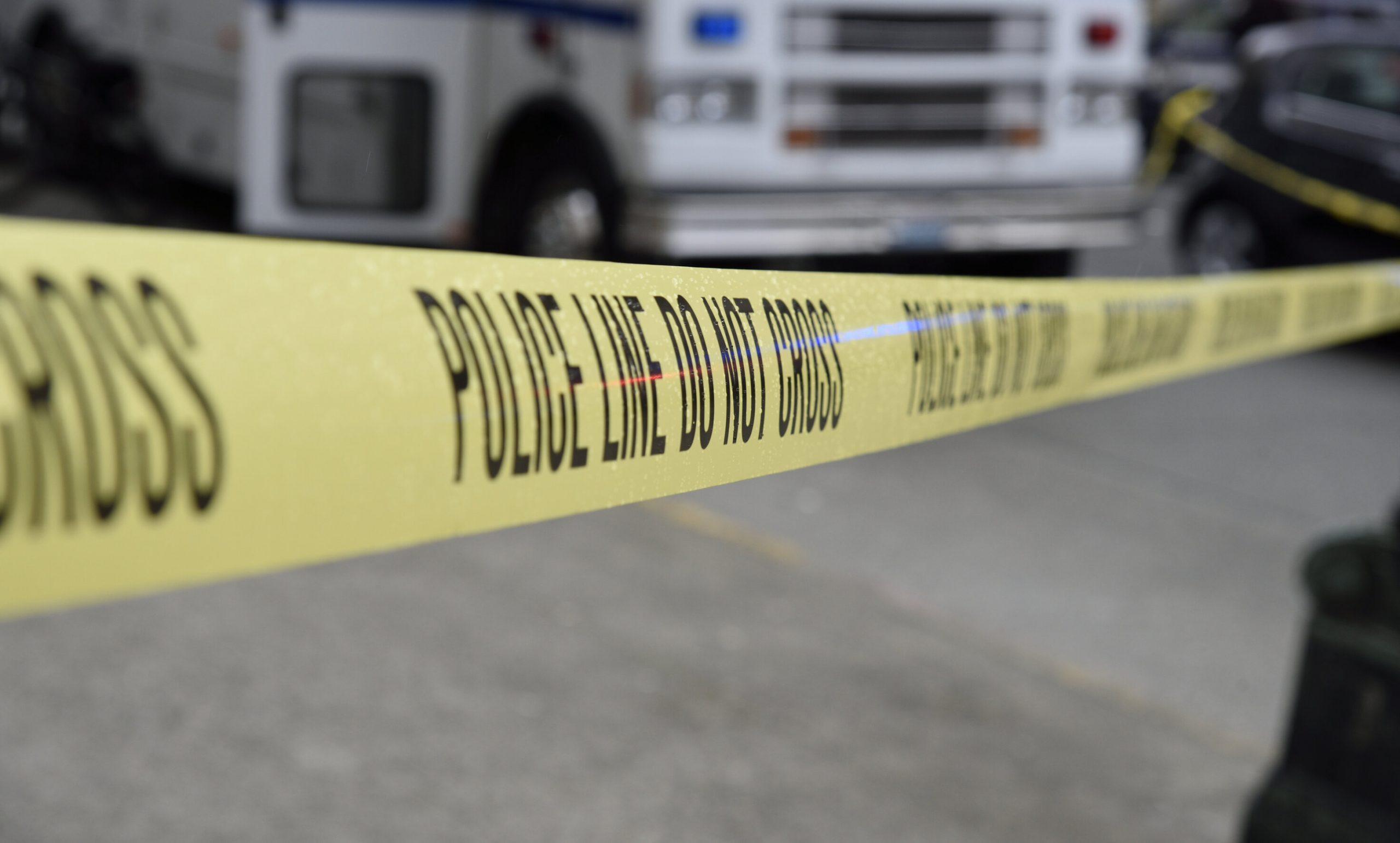 SUA| Un copil de 2 ani își ucide involuntar mama, după ce o împușcă în cap cu pistolul tatălui